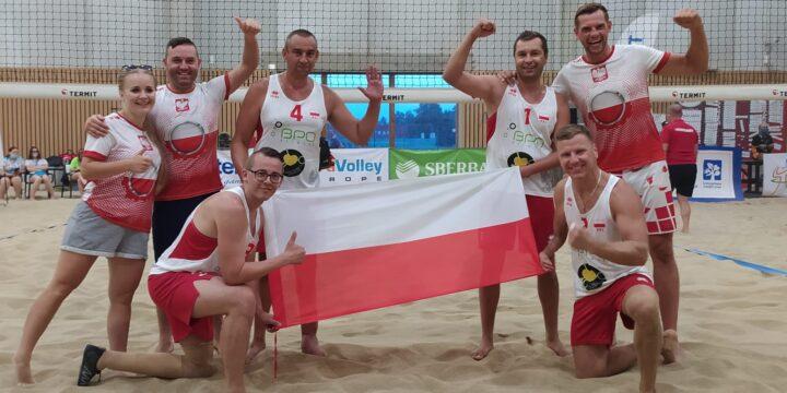 Reprezentacja Polski osób niepełnosprawnych w siatkówce plażowej przygotowują się do dzisiejszego finału i walki o złoty medal z Włochami o godz 19:00 🇵🇱❤️🇵🇱❤️